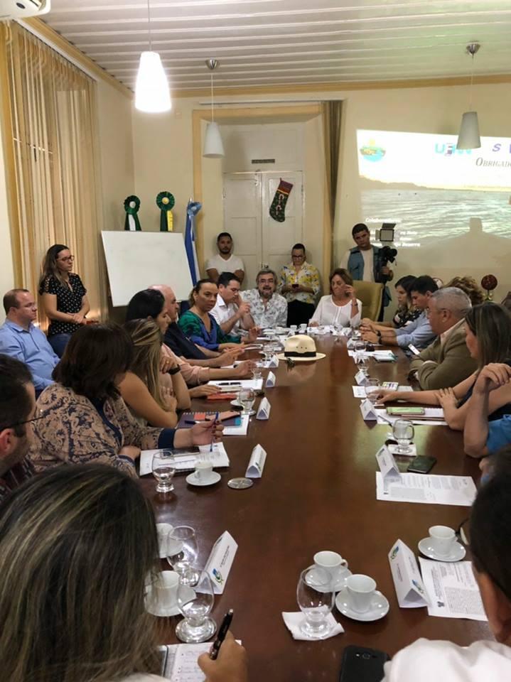 Na ocasião a parlamentar lembrou da luta para que o presidente Michel Temer(PMDB) reconheça a atividade salineira como de interesse social e econômico através de Decreto.