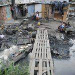 IBGE: 50 milhões de brasileiros vivem na linha de pobreza