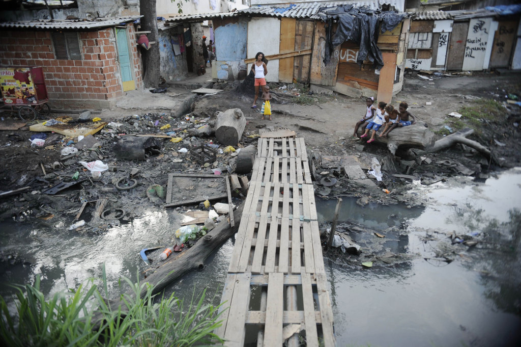 No país, 42% das crianças de 0 a 14 anos sobrevivem com apenas US$ 5,5 por dia.