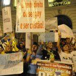 """Juiz mantém autorização para psicólogos aplicarem terapia de """"cura gay"""""""