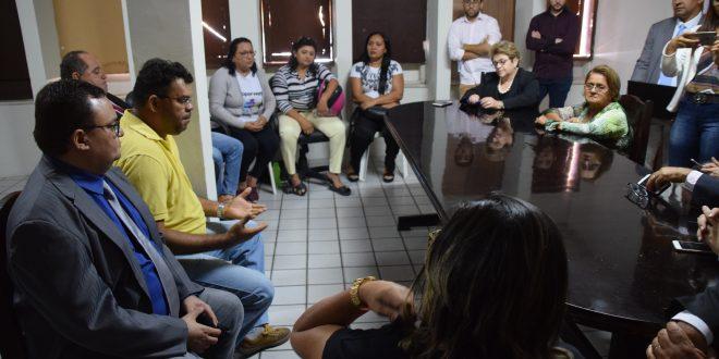 Vereadores se comprometem em buscar solução para atraso salarial dos Terceirizados