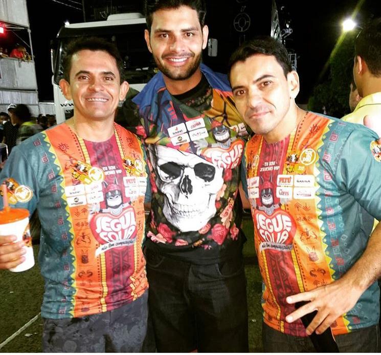 Cleanto Bezerra, Raony Lopes e João Noronha divulgando o Carnapau durante o Jegue Folia.