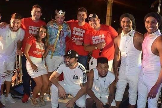 O cantorKiko da Banda Chicabana, foi coroado o Rei dos Jegueiros noúltimo dia (08/01) pelo diretor do Jegue Folia, Ewerton Filgueira.