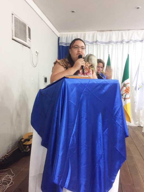 : Momento poético interpretado pela talentosa Cris Reliê, com uma das obras escritas por Dodora Maia.