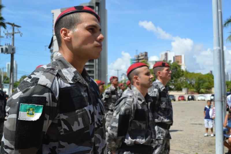 Policiais Militares e Bombeiros encerram paralisação nesta quarta-feira