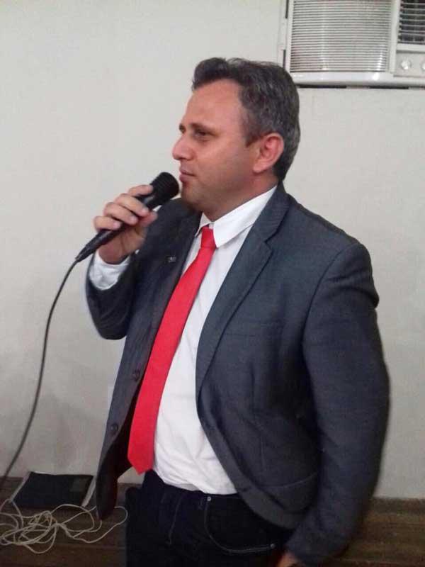 O Presidente da Câmara Municipal de Apodi, Genivan Varela, representando os vereadores do município.