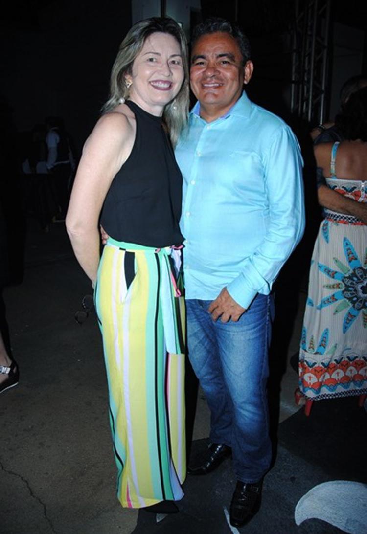 Direto de Natal o casal Vladimir Fernandes e Kassandra Gurgel para curtir os embalos de Radiola Clube no Baile da cidade. Arrasou!