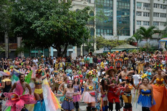 Carnaval 2018 deve movimentar R$ 6 bilhões e gerar 20 mil empregos
