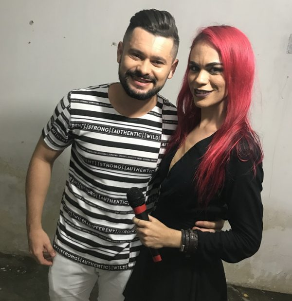 Os cantores Davson Davis (Forró Danado) e Fernanda Azevedo (Estação Baile) agitaram o Baile de Administração!