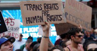 Em julho do ano passado, Trump anunciou que iria proibir transgêneros de servirem no Exército dos EUA. Juízes bloquearam decisão e governo não recorreu. Foto: REUTERS/Carlo Allegri/File Photo