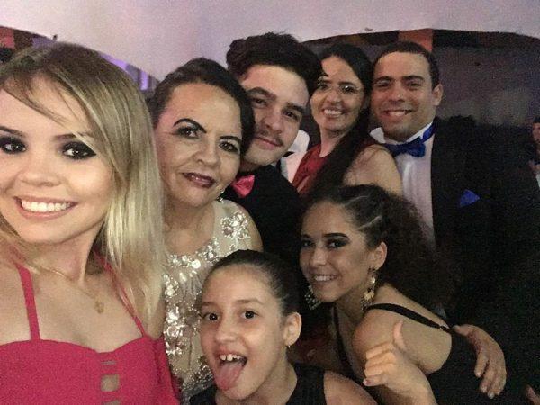 Douglas Medeiros no clique com seus convidados!!!