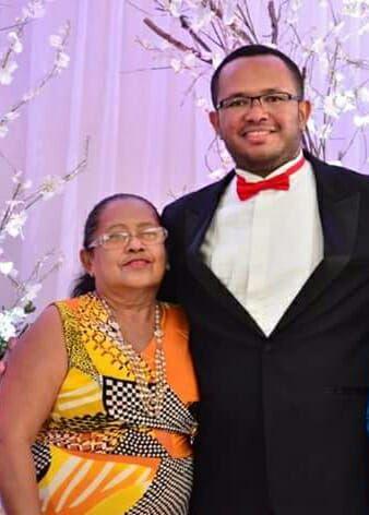 Quero enviar minhas congratulações ao amigo Pedro Acioly pela aprovação na OAB. Felicidade que recebe todo o carinho de sua tia Salete. Sucesso!