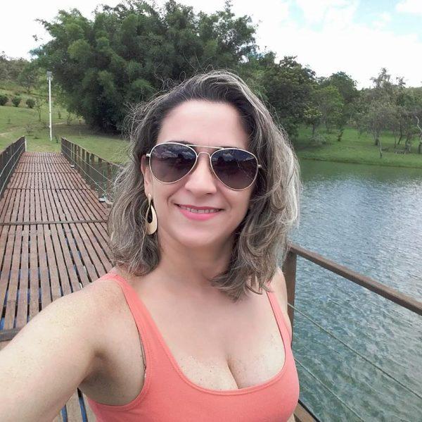 Querida Liliana Almeida amanhece de idade nova no domingo e hoje brindamos a data. Tintim!
