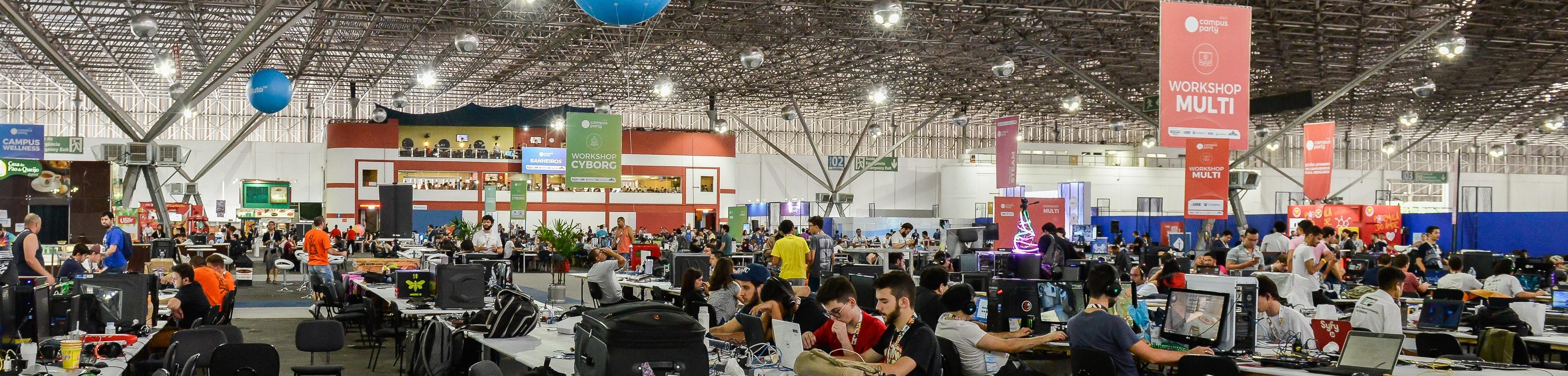 A expectativa da organização é receber um público total de 50 mil visitantes na Open Campus (área aberta ao público) e mais dois mil participantes na Arena.