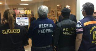 Operação Decanter cumpre 26 mandados de busca e apreensão nesta terça-feira (27) em seis municípios potiguares. Prejuízo aos cofres públicos pode chegar a R$ 60 milhões