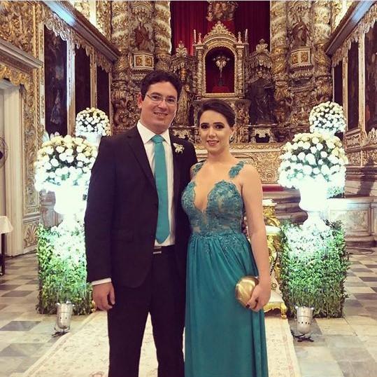 O advogado e empresário Rodrigo Lopes comemoraram mais um ano de vida nesse dia 04/02 e em tempo a amiga colunista Parabeniza.