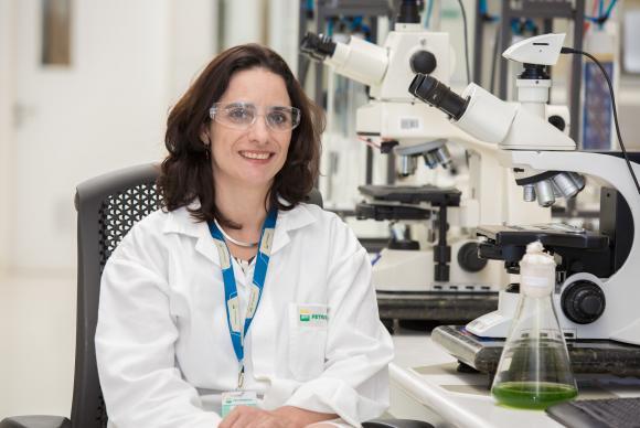 Os resultados são promissores , segundo a gerente de Biotecnologia do Centro de Pesquisa (Cenpes) da Petrobras, Juliana Vaz.