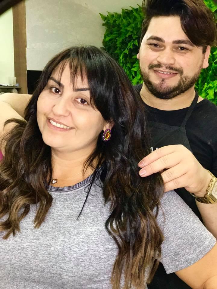 A cabeleireira Anne Suzy resolveu aderir a tendência e procurou o melhor, o parceiroMárcio Lima, para mudar o visual, ficou ainda maislinda!