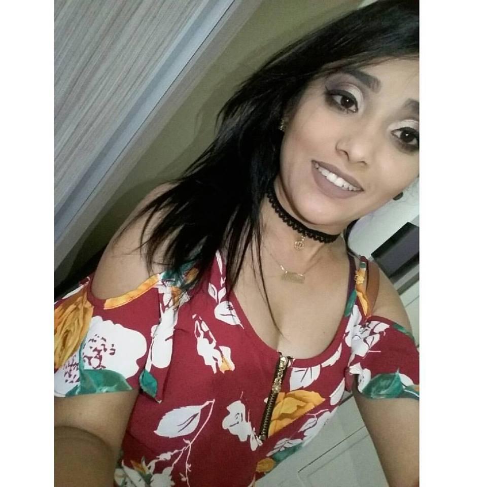 A Pedagoda Athina Karina hoje 21/03 amanheceu de idade nova e amiga aqui,recorda com carinho. Felicidades e muito sucesso pra você.
