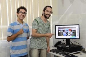 Allef Rodrigo Schmidt e Arthur Aleksandro Alves são 2 dos 6 estudantes da Ufersa que vão representar a Universidade na Campus Party Natal. Foto: Eduardo Mendonça.