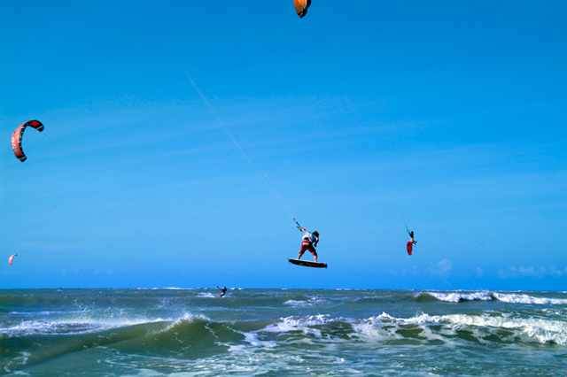 Windsurf em São Miguel do Gostoso (Foto: Giovanni Sérgio).