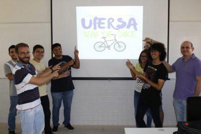 """O grupo formado por 23 estudantes de Ciência da Computação e pelos professores Leonardo Casillo e Rafael Castelo, deu o primeiro passo para a execução da iniciativa com a aprovação do projeto """"Ufersa Vai de Bike"""""""