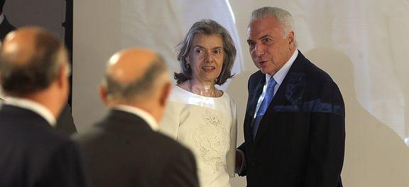 Cármen Lúcia tem uma agenda de audiências com ministros, embaixadores e um governador.