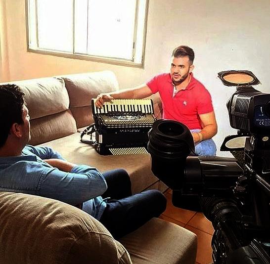 Recentemente o cantor Giannini Alencar esteve em São Paulo gravando para o programa Domingo Espetacular da Rede Record TV.