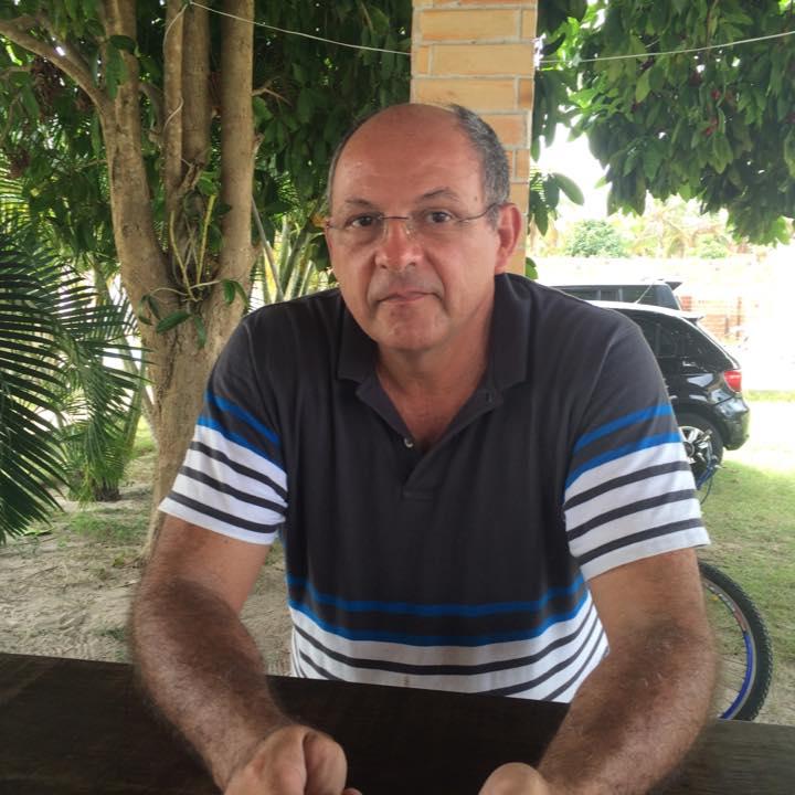 Ontem foi dia de festejar o médico Gustavo Pereira e hoje nós renovamos os cumprimentos com votos de saúde e paz!