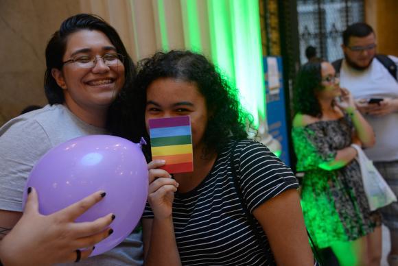 Dossiê mostra crescimento da violência contra mulheres lésbicas no Brasil