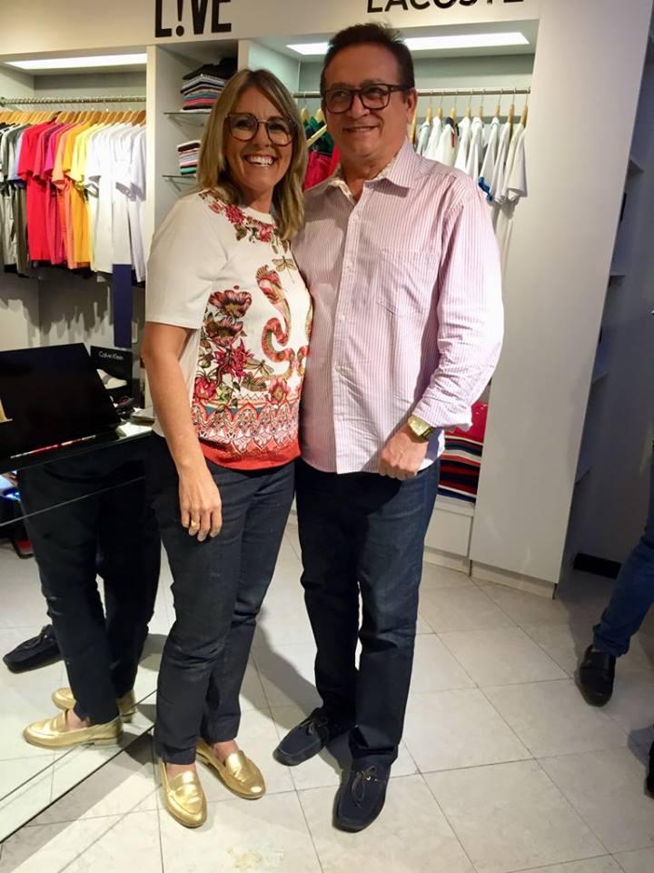 A empresária Marillac Souza recebeu a visita dos amigos no lançamento, entre eles o amigo colunista, Lisboa Batista.