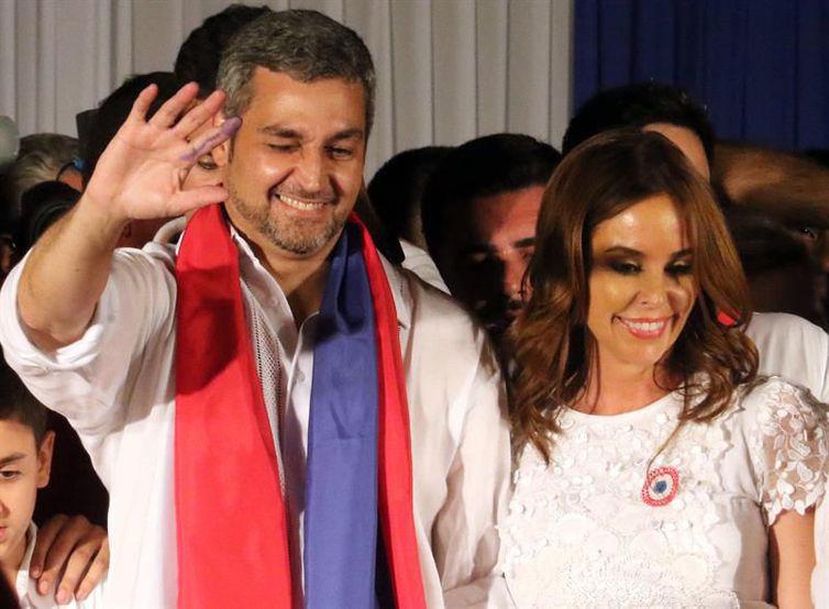 Mario Benítez vence eleição no Paraguai