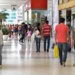 CNC: confiança do brasileiro é insuficiente para reativar consumo