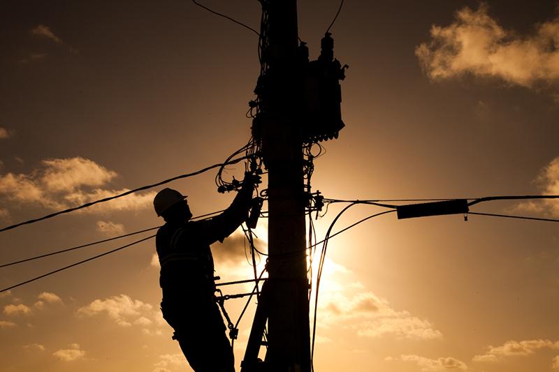 O fornecimento de energia elétrica será suspenso das 8h às 13h.