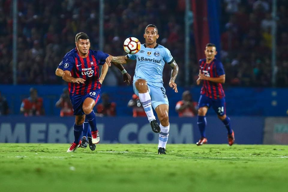 Grêmio tropeça na Libertadores e perde chance de assumir liderança
