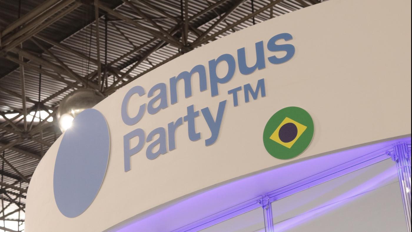 Em cada lugar que passa a Campus Party coloca o projeto em prática através de parceiros tanto do setor público quanto privado.