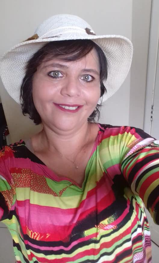 Hoje todos os vivas para Roberta Pereira Praxedes e nós brindamos a data. Tintim!