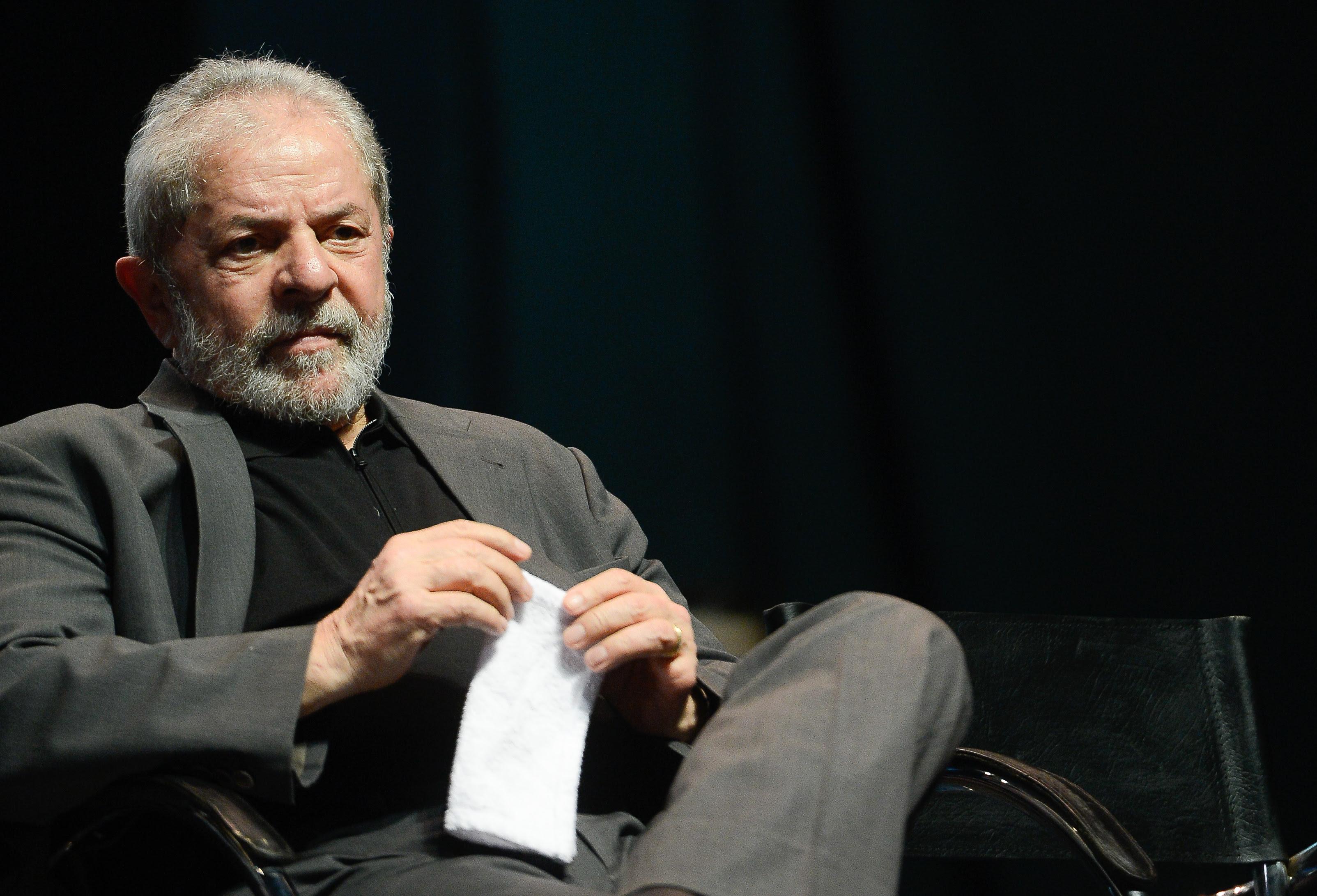 PF pede que ex-presidente Lula seja transferido de unidade