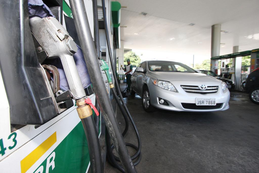 Petrobras reduz preço da gasolina e do diesel pela segunda vez após protestos