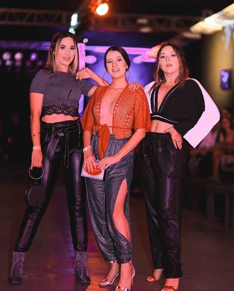 Representam! Estão em todos os eventos e a gente ama acompanhar o sucesso dessas bloggers mossoroenses, cada uma com seu estilo, e cheias de charme, Kadidja Nascimento, GabrielaColaço e Karen Praxedes, no Dragão Fashion Brasil,em Fortaleza. Arrasam demais!
