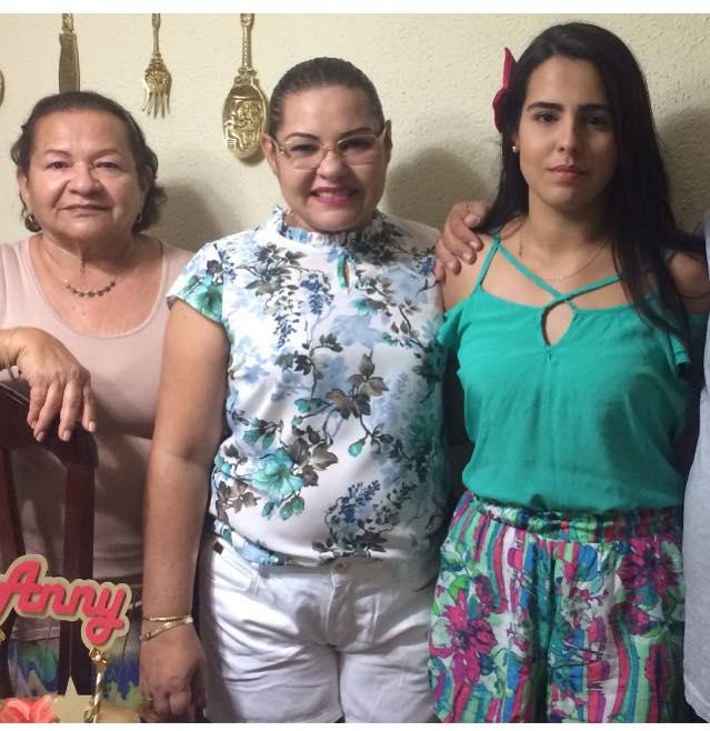 Quem celebrou idade nova foi a querida Albaniza de Freitas Suassuna, na foto ao lado da filha Anny Cristine e da neta Louyse Freitas. Para Albaniza saúde e paz!