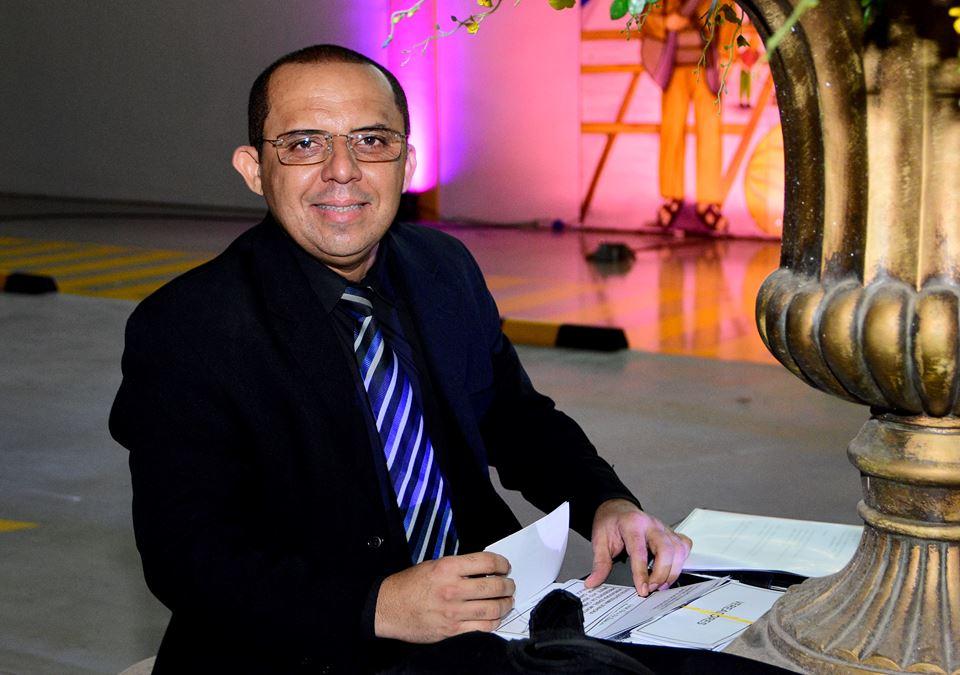 Hoje é dia de vivas para Walterlin Lopes, daqui desejamos votos de felicidades mil!