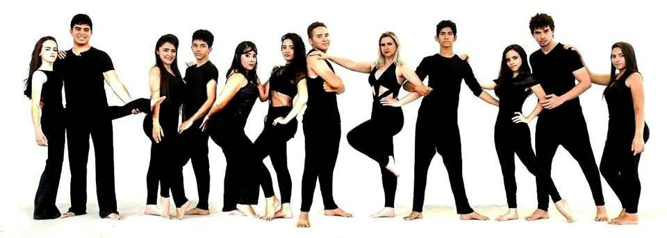 Eis aqui parte do grupo Dançart. Eles que serão os anfitriões do próximo domingo com a primeira feijoada realizada pelo grupo. Show!