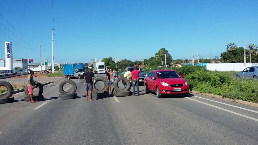 Caminhoneiros voltam a interditar BR-304 em Mossoró contra aumento do diesel