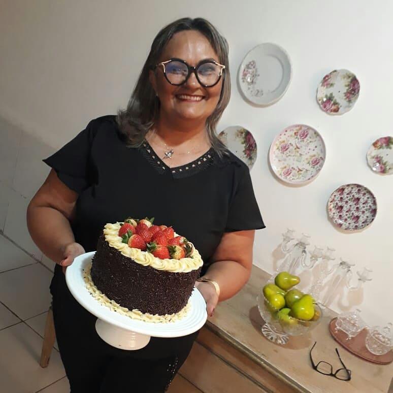 Querida a prime Neuma Soares celebrou a festa da vida no ultimo final de semana e é claro que nós desejamos felicidades sempre!