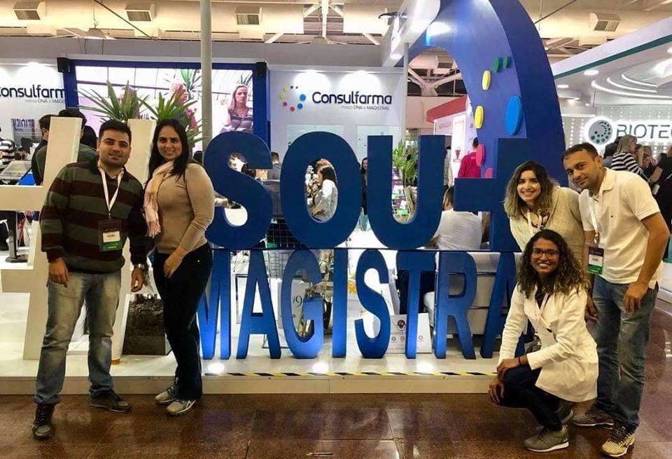 Equipe mil da Farmácia de Manipulação Formula Certa em São Paulo participando do Congresso Consulfarma com: Fabricio e Patrícia Tavares, Priscila, Ariane Cordeiro e Alberto Matos. Show!