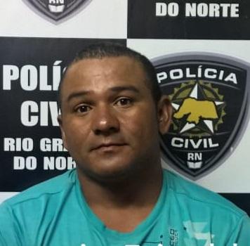 Pai e filho mataram o jovem Pedro Faustino de Sena, 14 anos, no dia 11 de novembro de 2017, no bairro Belo Horizonte, em Assú.