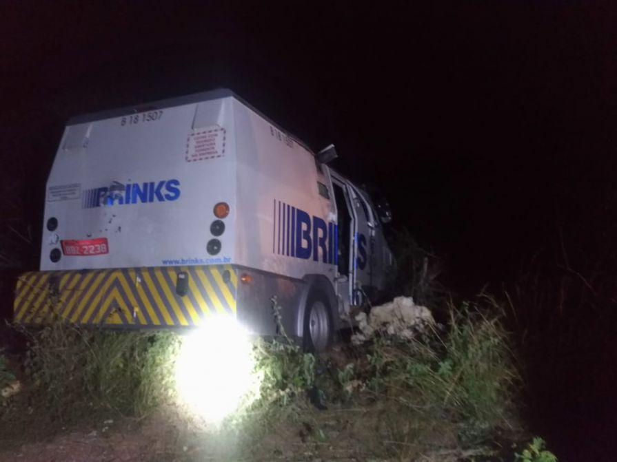 Policia Federal impede assalto a carro-forte na BR 304