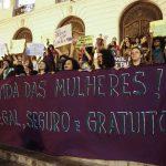 Manifestantes fazem passeata no Rio de Janeiro pela legalização do aborto