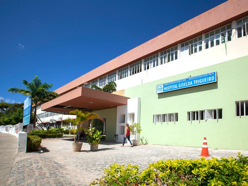 Técnicos e auxiliares de Radiologia do Hospital Giselda Trigueiro entraram em greve nesta sexta